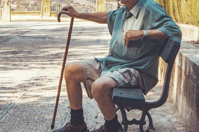 Tips for Buying A Walking Stick Or Cane Online
